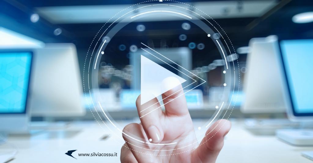 Trasmettere un video live come strategia di marketing sui social: ecco come prepararti e quali tool utilizzare per rendere professionali le tue dirette.